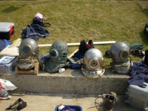 Some of the diving helmets available for use