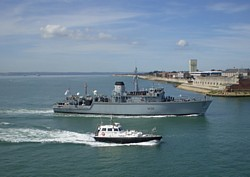 HMS Atherstone enters harbour