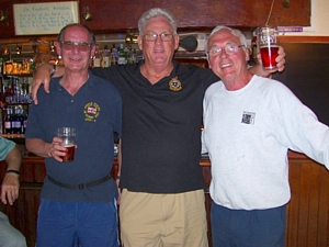 Your humble webmaster Rob Hoole with Mike Ey and friend at Forest of Bere pub in Denmead
