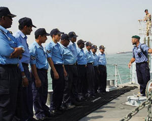 LS(D) Des Haman talks Bahrain Defence Force personnel through Specials on Blyth's forecastle